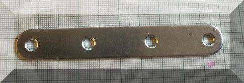 100x15x1,5 horganyzott ellendarab 4 furattal mágnesekhez