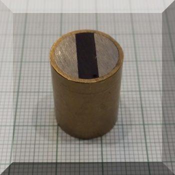 D15x20 H-tipusú POT mágnes Bronzházban NdFeB betéttel M4 menet