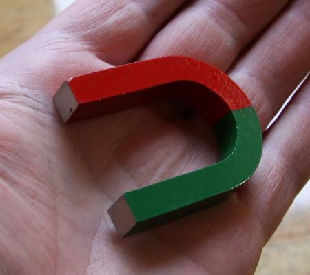 AlNiCo Patkó mágnes kicsi