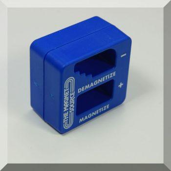 Csavarhúzó fel-le mágnesező készülék