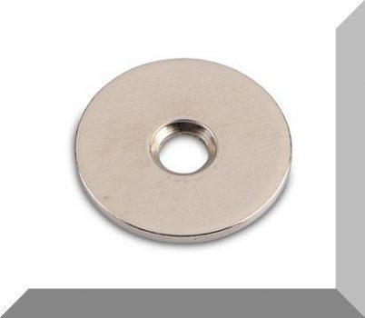 Fém ellendarab Neodym mágneshez D24x1,6 mm. Nikkelezett. Sülly.