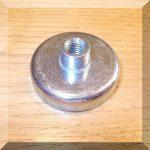 D40x8 POT mágnes ferrit betéttel M8 belső menetes csappal.