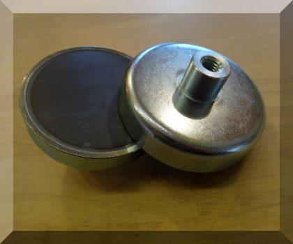 D80X18/34  POT mágnes ferrit betéttel M10 belső menetes csappal.