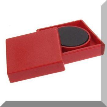 35x35x9mm. Nagy négyzetes irodamágnes ferrit mágnes betéttel - Piros