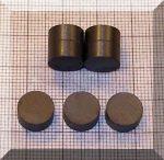 D10x5 mm. Ferrit korong mágnes