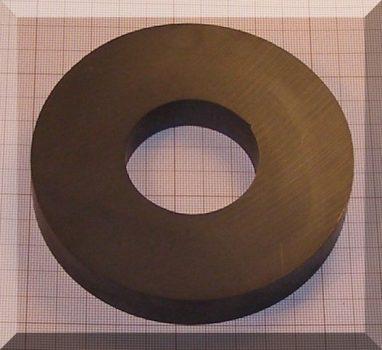 D110/d45x18 mm. Ferrit gyűrű mágnes