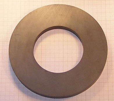 D220/d110x20 mm. Ferrit gyűrű mágnes