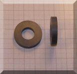 D27/d12,6x5 mm. Ferrit gyűrű mágnes