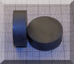 D28x10 mm. Ferrit korong mágnes