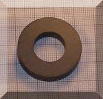 D30/d16x5 mm. Ferrit gyűrű mágnes