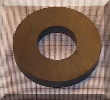 D72/d32x10 mm. Ferrit gyűrű mágnes