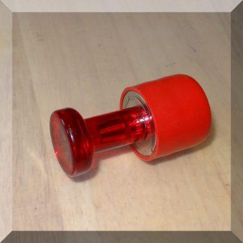 Müanyag kupakos NdFeB mágnes foganttyúval TYP-5
