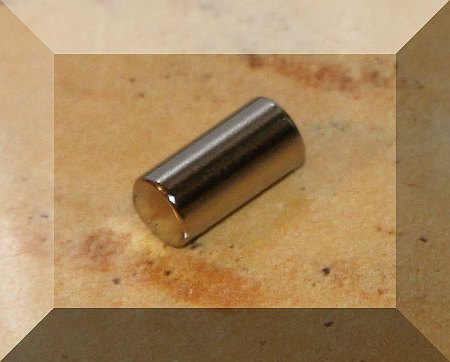 D5x10mm. N38 Henger alakú Neodym mágnes