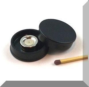 D30x8 mm. Nagy irodamágnes NdFeB mágnes betéttel - Fekete