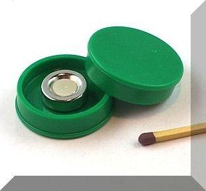 D30x8 mm. Nagy irodamágnes NdFeB mágnes betéttel - zöld
