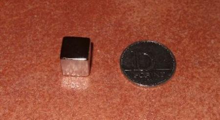 12x12x12 mm. N48 Kocka Neodym mágnes