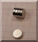 D15x5 mm. Neodym korong mágnes N38