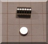 D7x2 mm. Neodym korong mágnes N38