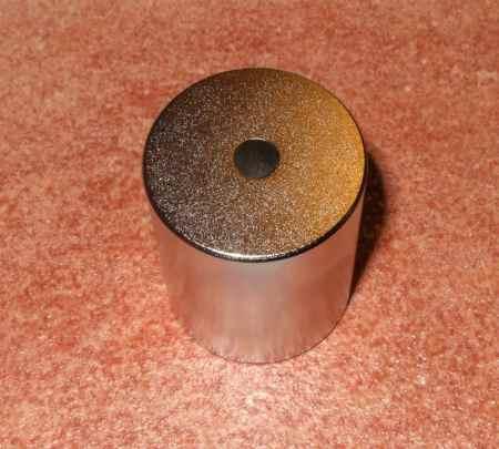 D30/D6x35 mm N38 Lyukas neodym mágnes