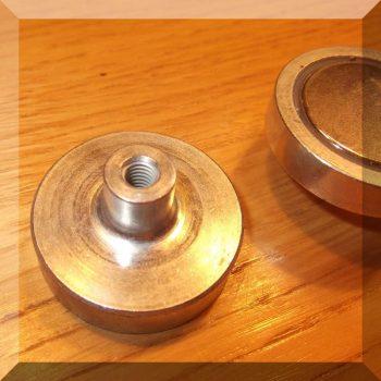 D32x15,5 mm.NdFeB POT mágnes csapos