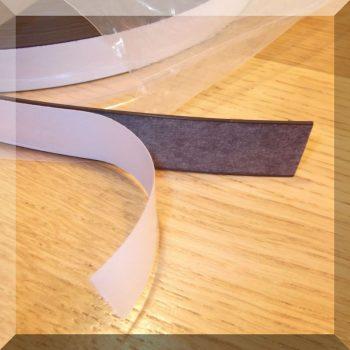 20x1,5 mm. széles öntapadós mágnesszalag - extra ragasztó