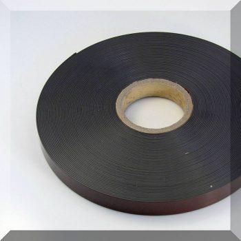 25x1,5 mm. széles öntapadós mágnesszalag