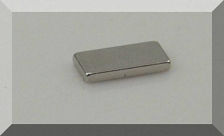 15x7x2 N38SH Neodym téglatest mágnes