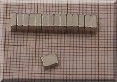 5x4x2 mm. N38SH Neodym téglatest mágnes