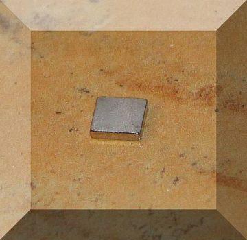6x6x1,2 mm. N50 Neodym téglatest mágnes