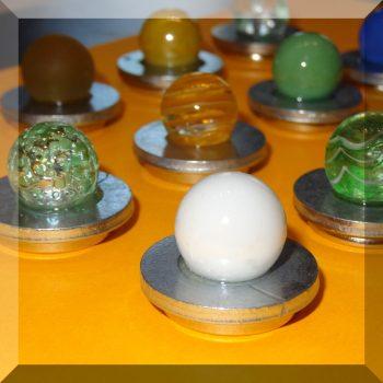 Tábla mágnes (NdFeB mágnessel) Üveg - mágnestáblához (választható színű golyóval)