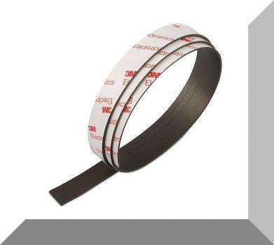 15 mm széles 1,5 mm vastag Öntapadós Neodym mágnesszalag 1 fm.